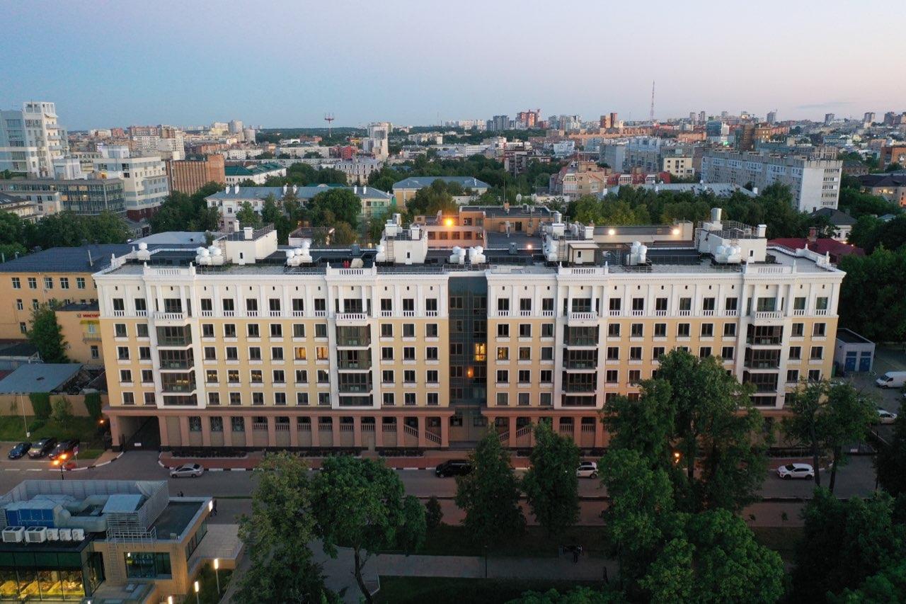 Эксплуатируемая крыша и волшебные виды из окон: как выглядят квартиры в самом «молодом» жилом доме на Верхне-Волжской набережной - фото 3